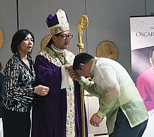 Filipino community welcomes Bishop Solis