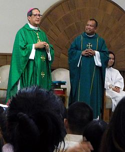 Filipino community celebrates 10 years of Tagalog Masses, 20th anniversary priest's ordination